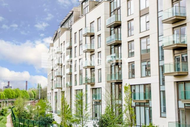 Thumbnail Flat for sale in Columbia Gardens South, Earls Court