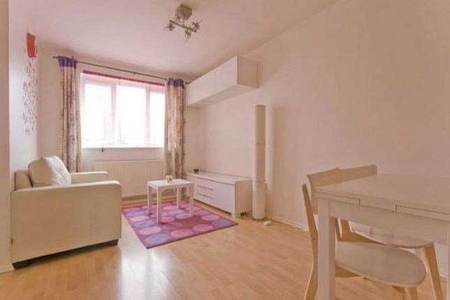 1 bed flat to rent in Bream Close, London N17