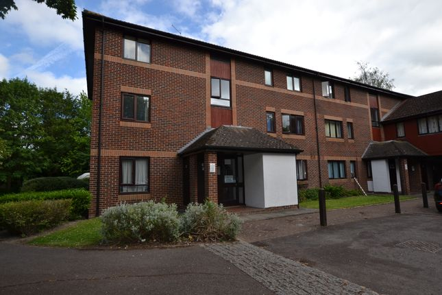 Flat to rent in Pebble Drive, Didcot