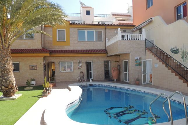 Villa for sale in Calle Los Angeles, Puerto De Santiago, Tenerife, Canary Islands, Spain