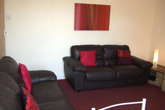 5 bed maisonette to rent in Simonside Terrace, Heaton, Newcastle Upon Tyne