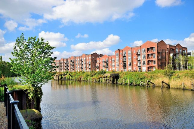 Thumbnail Flat for sale in Grayling Mews, Warrington
