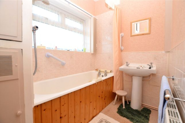 Picture No. 19 of Crawshaw Rise, Pudsey, West Yorkshire LS28