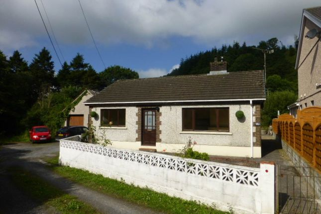 Thumbnail Bungalow to rent in Alltwalis Road, Alltwalis, Carmarthen