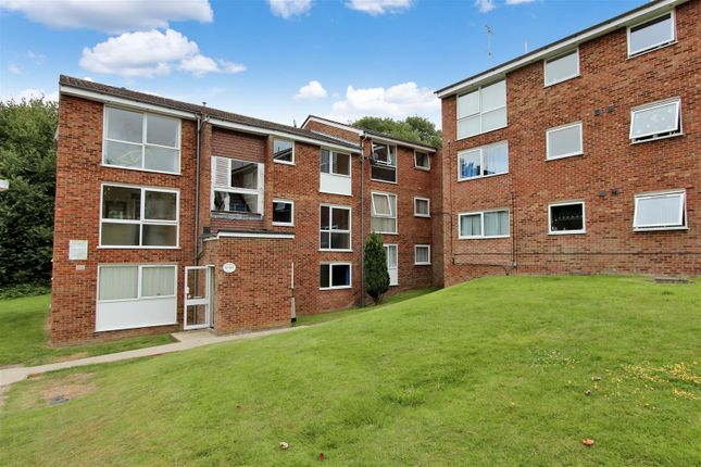 Thumbnail Flat to rent in Elstree Road, Woodhall Farm, Hemel Hempstead