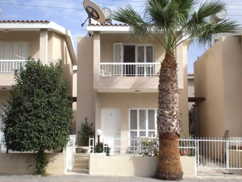 2 bed town house for sale in Kato Paphos, 2 Bed Villa - 500m To Beach, Cyprus