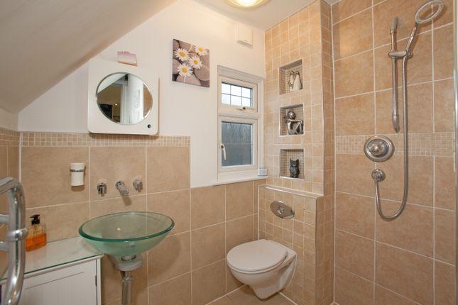 En-Suite of Fairway, Leigh-On-Sea, Essex SS9