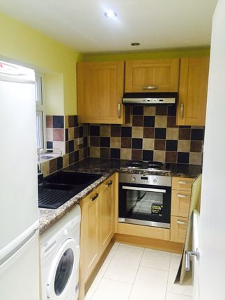 Studio to rent in Marlborough Drive, Clayhall, Ilford