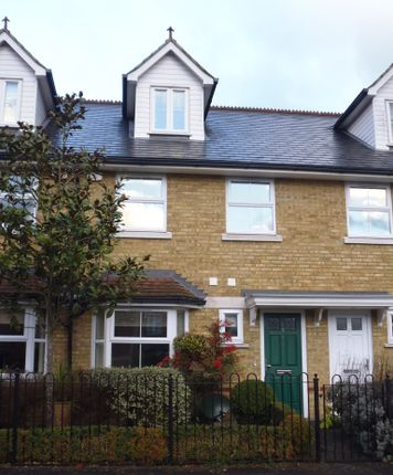 Thumbnail Town house to rent in The Mews, Upper Villlage Road, Sunninghill, Ascot