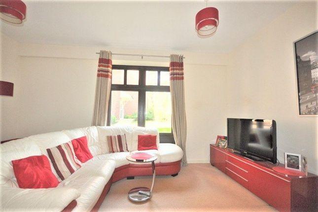Thumbnail Flat to rent in Lockhart Road, Watford