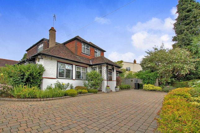 Thumbnail Detached house to rent in Abbots Road, Abbots Langley
