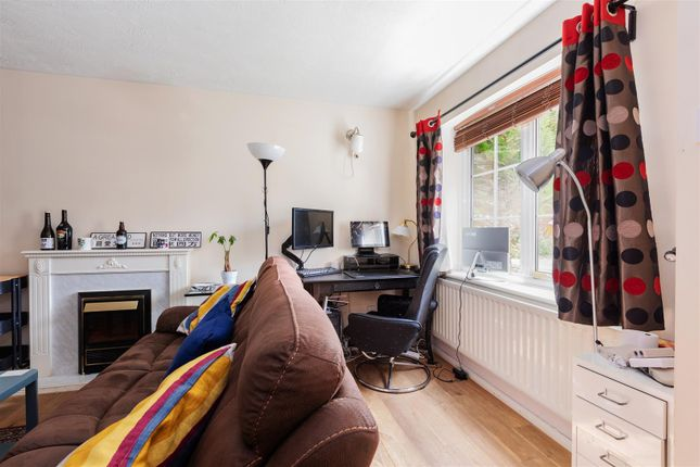 3 bed detached house for sale in Gervaise Close, Cippenham, Slough SL1
