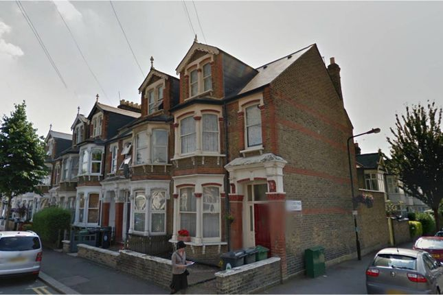 4 bedroom flat to rent in Cleveland Park Avenue, Walthamstow