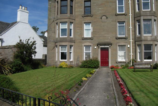 Thumbnail Flat to rent in Beach Cresecent, Broughty Ferry Dundee