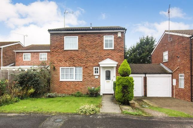 3 bed link-detached house for sale in Layham Drive, Luton LU2
