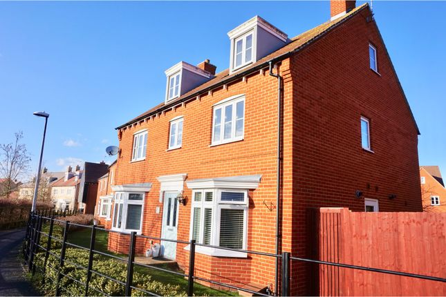 Thumbnail Detached house for sale in Peachey Walk, Stansted