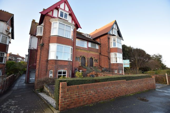 2 bed flat to rent in Esplanade Crescent, Scarborough YO11