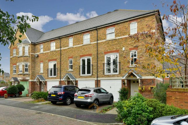 4 bed town house to rent in Livingstone Park, Epsom KT19