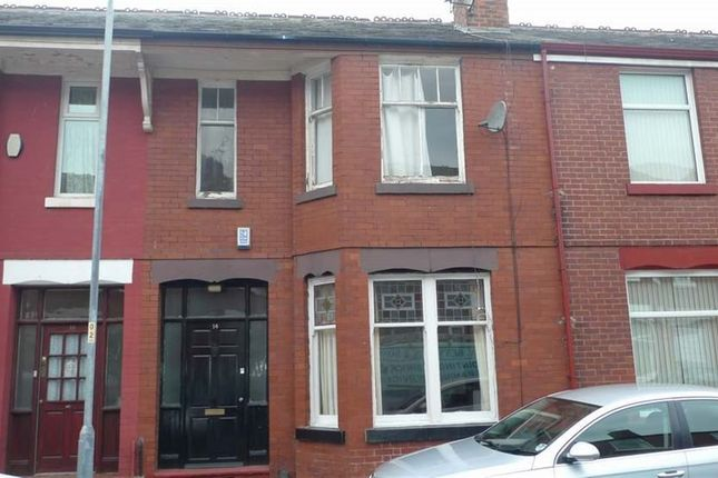 3 bed property to rent in Wallace Avenue, Manchester