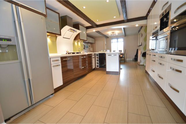 Thumbnail Semi-detached house for sale in South View, Queensbury