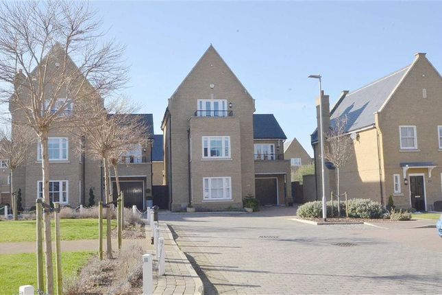 5 Bed Detached House For Sale In Gunners Rise, Shoeburyness, Southend On