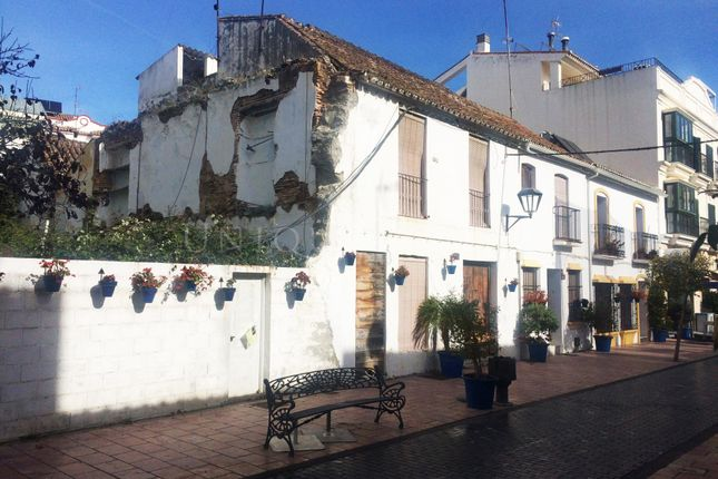 Thumbnail Hotel/guest house for sale in Estepona, 29680, Spain