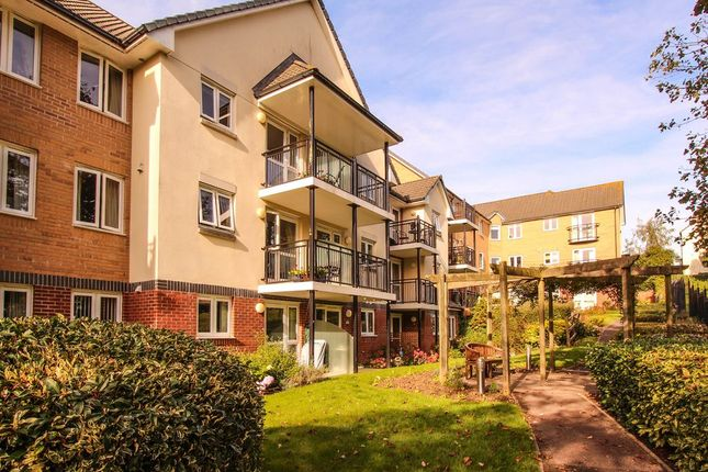 1 bed flat to rent in Yeovil BA21