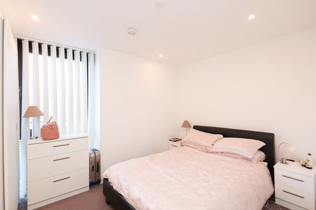 Bedroom of The View, City Lofts, 7 St. Pauls Square S1