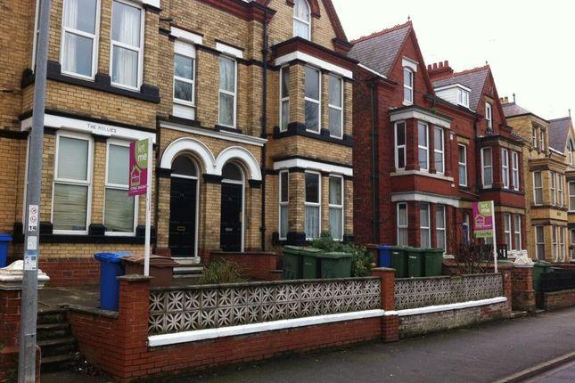 Thumbnail Flat to rent in Trinity Road, Bridlington
