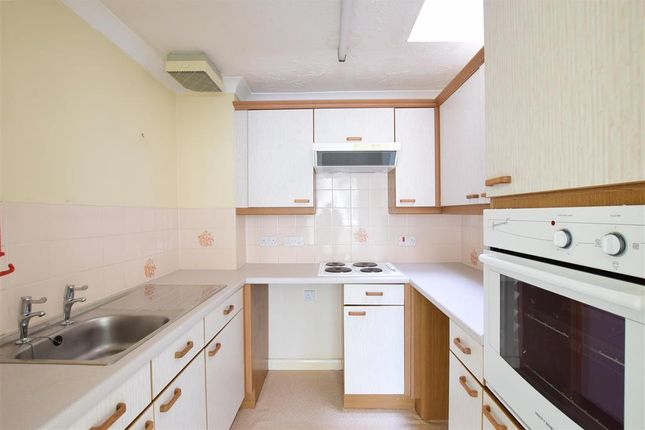 Thumbnail Property for sale in Findon Road, Worthing, West Sussex