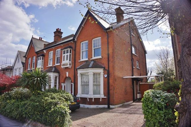 Thumbnail Flat to rent in Compton Rd, Winchmore Hill, London