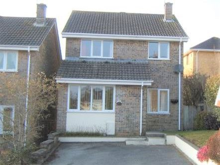 Thumbnail Detached house to rent in Trevanion Road, Liskeard