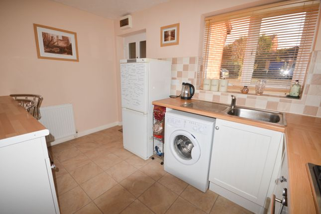 Thumbnail Town house to rent in Waterfield Mews, Westfield, Sheffield