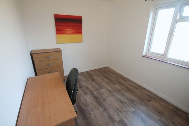 Thumbnail Property to rent in Towers Court, Pole Hill Road, Hillingdon, Uxbridge