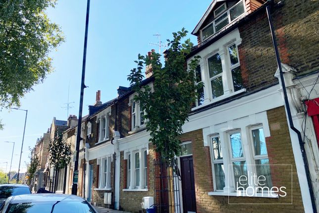 Thumbnail Terraced house to rent in Shacklewell Lane, London