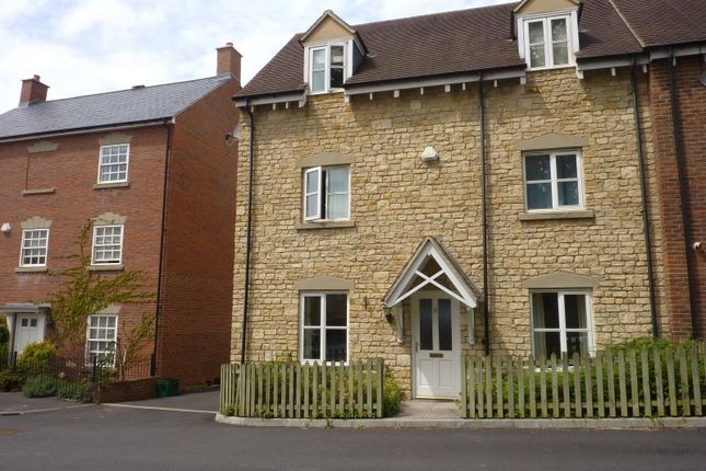 4 bed detached house to rent in Home Orchard, Ebley, Stroud, Gloucestershire GL5