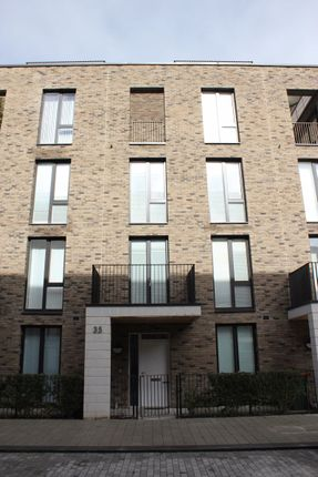 Thumbnail Town house for sale in Schooner Road, London