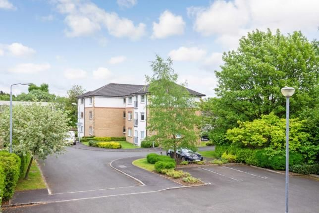Parking of Duntiglennan Road, Clydebank, West Dunbartonshire G81