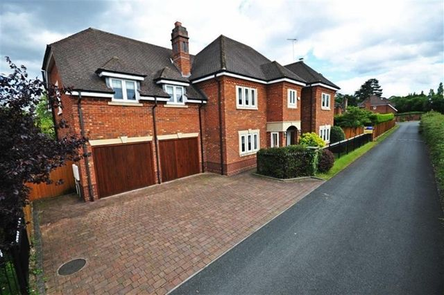 Thumbnail Detached house to rent in Exclusive Detached Five Double Bedroom House, Fernhill Heath, Worcester