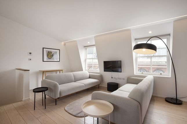 3 bed flat to rent in The Charterhouse, Charterhouse Square, London EC1M