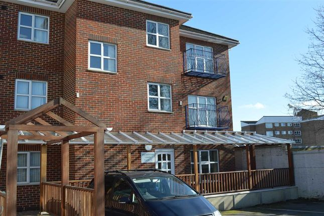 Thumbnail Flat to rent in Rossaveal Place, Highfield Road, Dartford