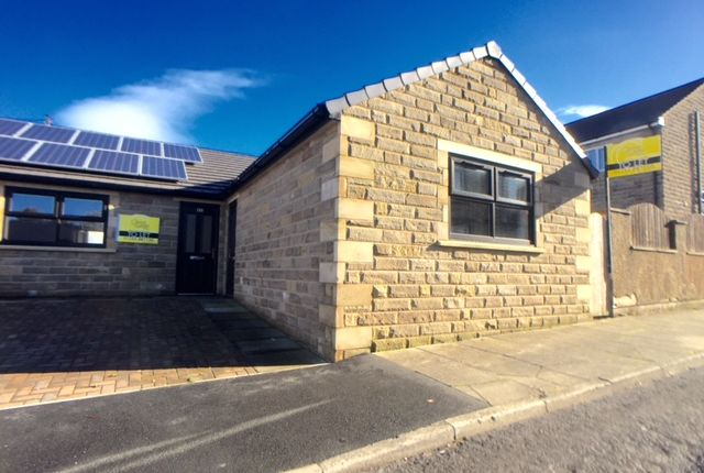 Thumbnail Bungalow to rent in Moor St, Clayton Le Moors, Accrington