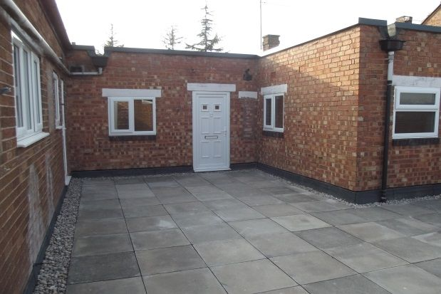2 bed flat to rent in Marlborough Mews, Alcester Road, Studley