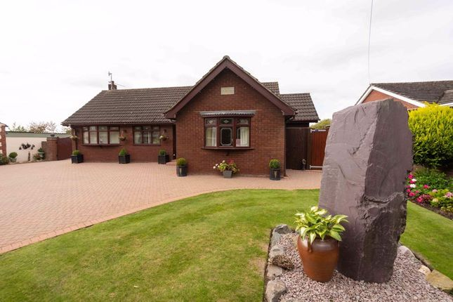 Thumbnail Detached bungalow for sale in Stather Road, Flixborough, Scunthorpe