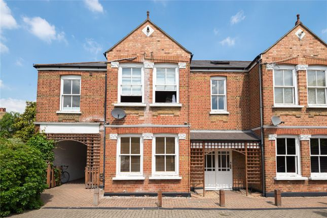 Thumbnail Flat to rent in Steele Road, Chiswick, London