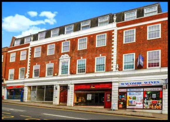 Thumbnail Shared accommodation to rent in Crendon Street, High Wycombe, Buckinghamshire