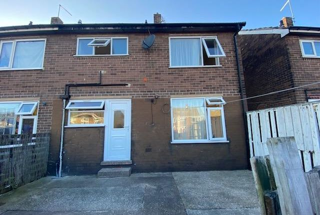 3 bed property to rent in Hardie Close, Maltby, Rotherham S66