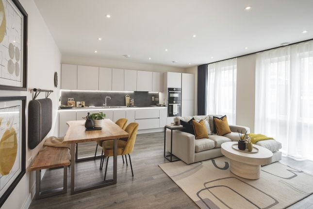 1 bed flat for sale in Enfield Road, Acton, London W3