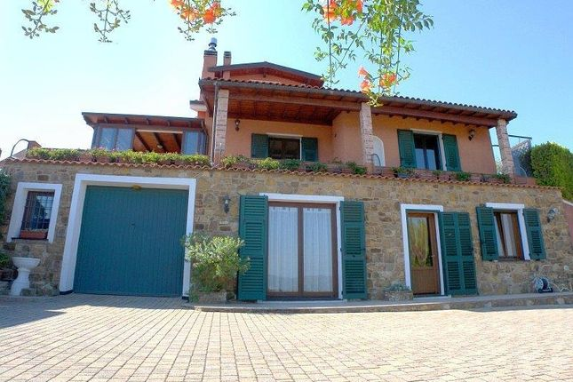 4 bed villa for sale in Strada Vicinale Colle, 5, 18100 Poggi Imperia, Italy
