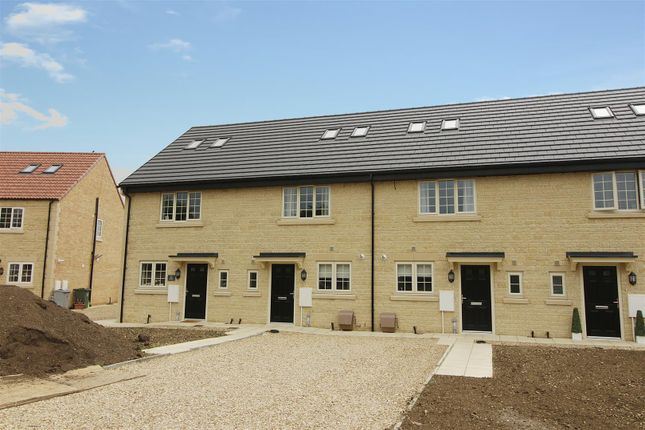 3 bed terraced house to rent in Cloven Ends, Langtoft, Peterborough